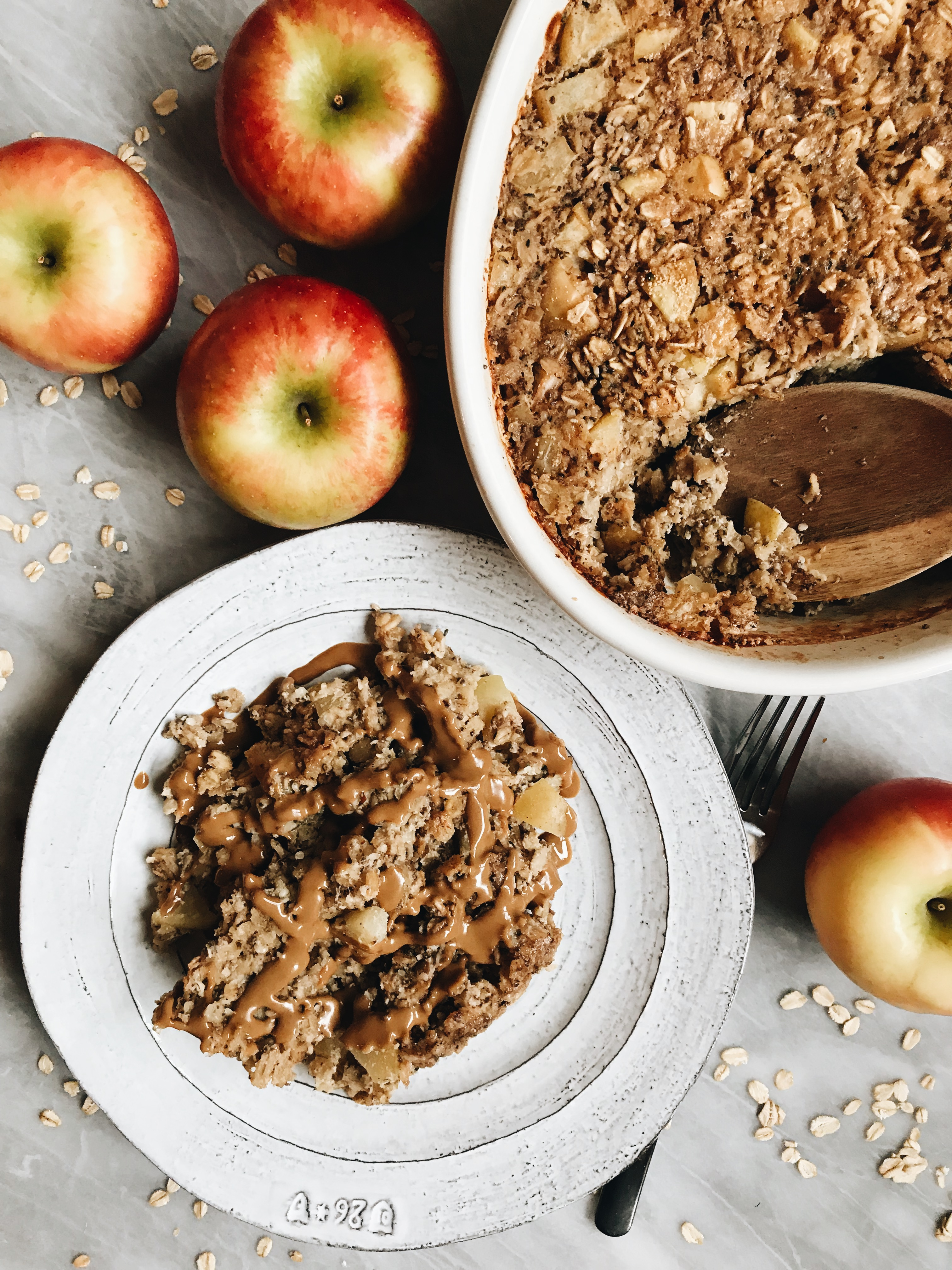 Apple Pie Oatmeal Bake